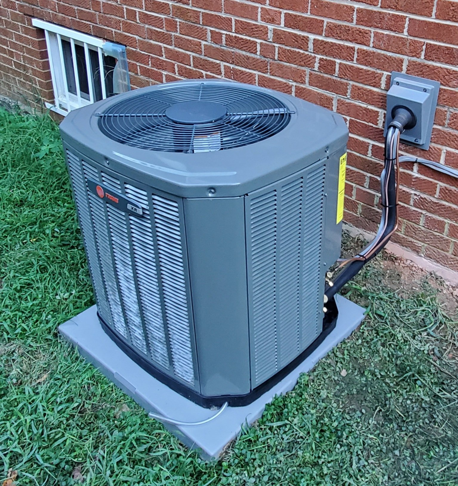 Image to show reader a heat pump while reading about causes of no heat